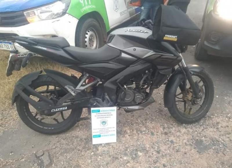 La moto en la que se movilizaba el delincuente.