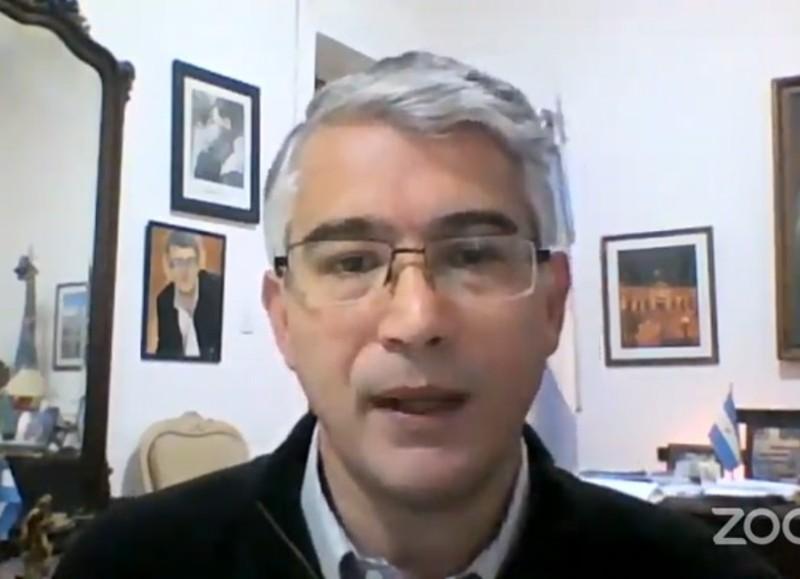 Carlos Puglelli.