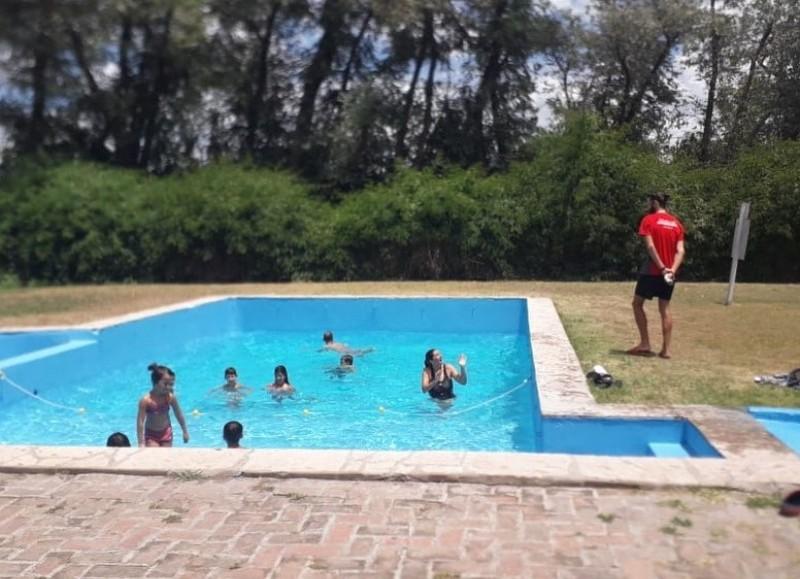La comuna aclaró que en turnos de mañana y tarde los chicos podrán ir al Club River.
